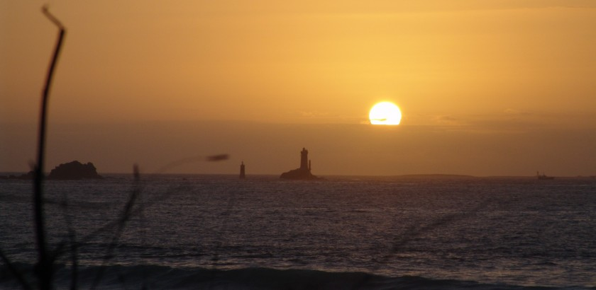 Leuchtturm La Vieille im Sonnenuntergang